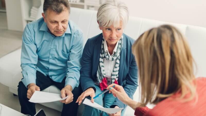 Как взять кредит пенсионерам